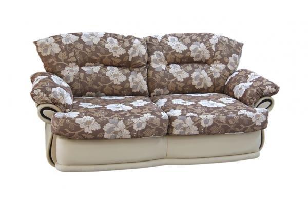 Даниэла, диван